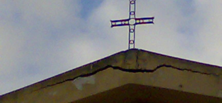 Anche la chiesa di Maristella cade a pezzi
