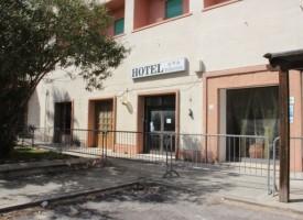 """Domani dibattito sull'utilizzo del """"Bella Vista"""" di Fertilia come centro di accoglienza per migranti"""