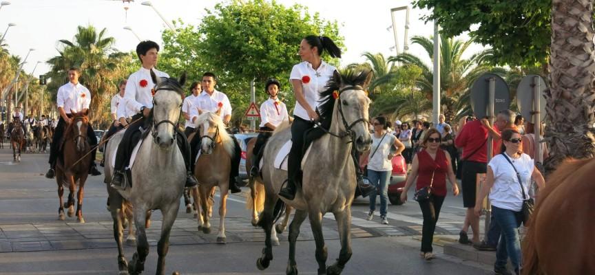 Sabato ad Alghero sfilata di Cavalli & Cavalieri in onore di San Joan