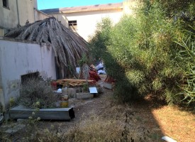 Comitato Fertilia: «Degrado e pericolo incendio all'ex Hotel Bellavista»